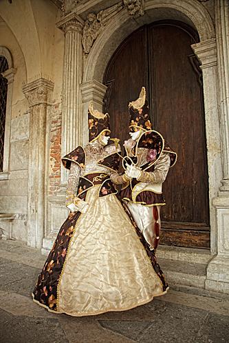 Sepia Lovers - Venice Carnival
