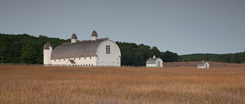 Unprocessed barn image