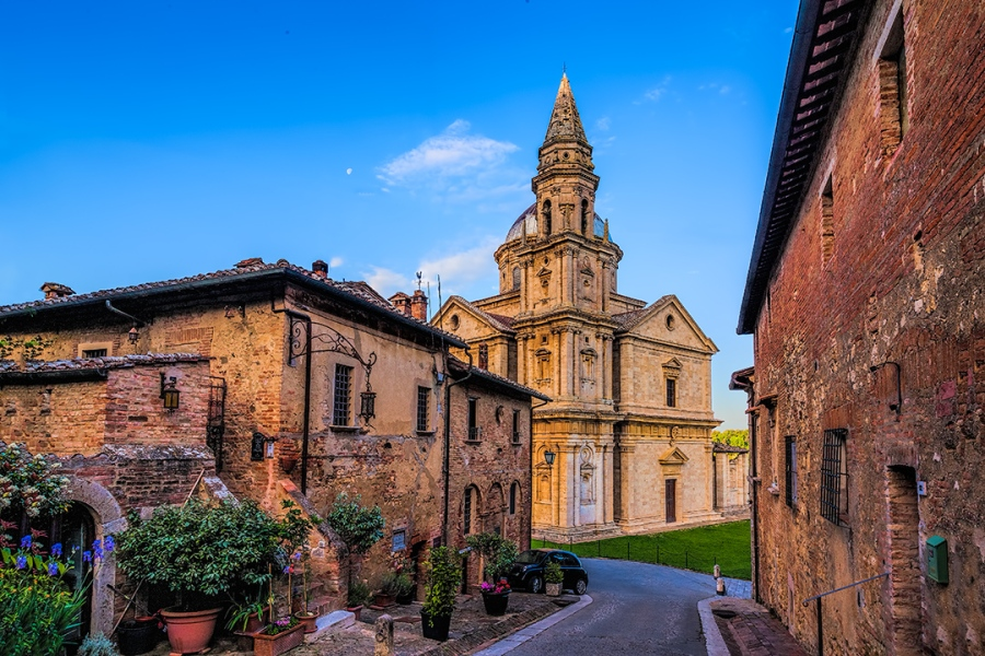 Awakening - Montepulciano, Italy